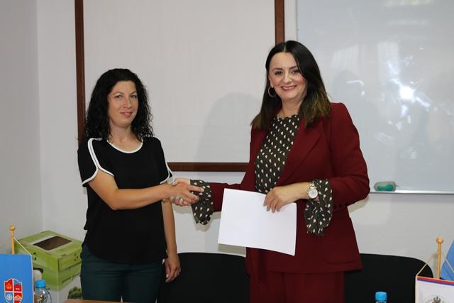 Потписани Уговори о самозапошљавању  са пољопривредницима